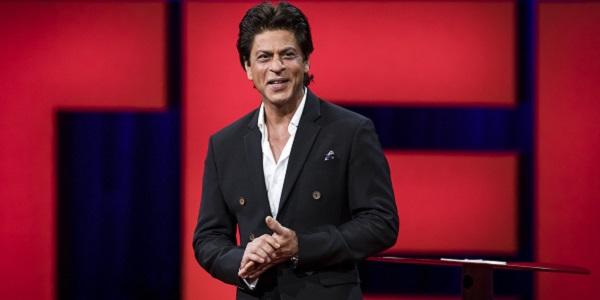 شاهرخ خان مقابل دوربین پاتان