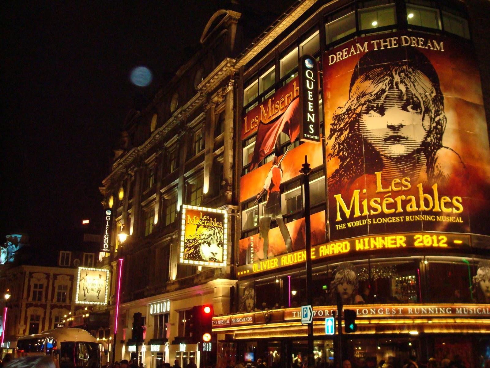 بازگشایی سالنهای تئاتر در انگلستان